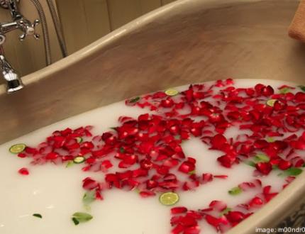 cleopatra milk bath 430x330 - Homepage
