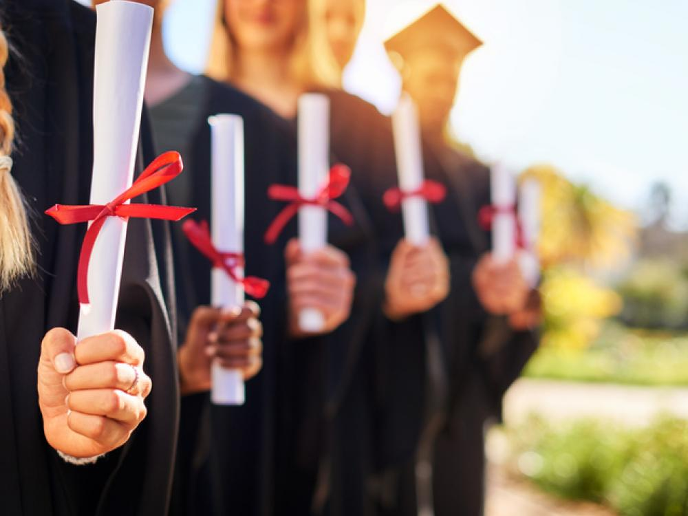 college degrees - Why It Is Best for One to Complete Diploma Studies