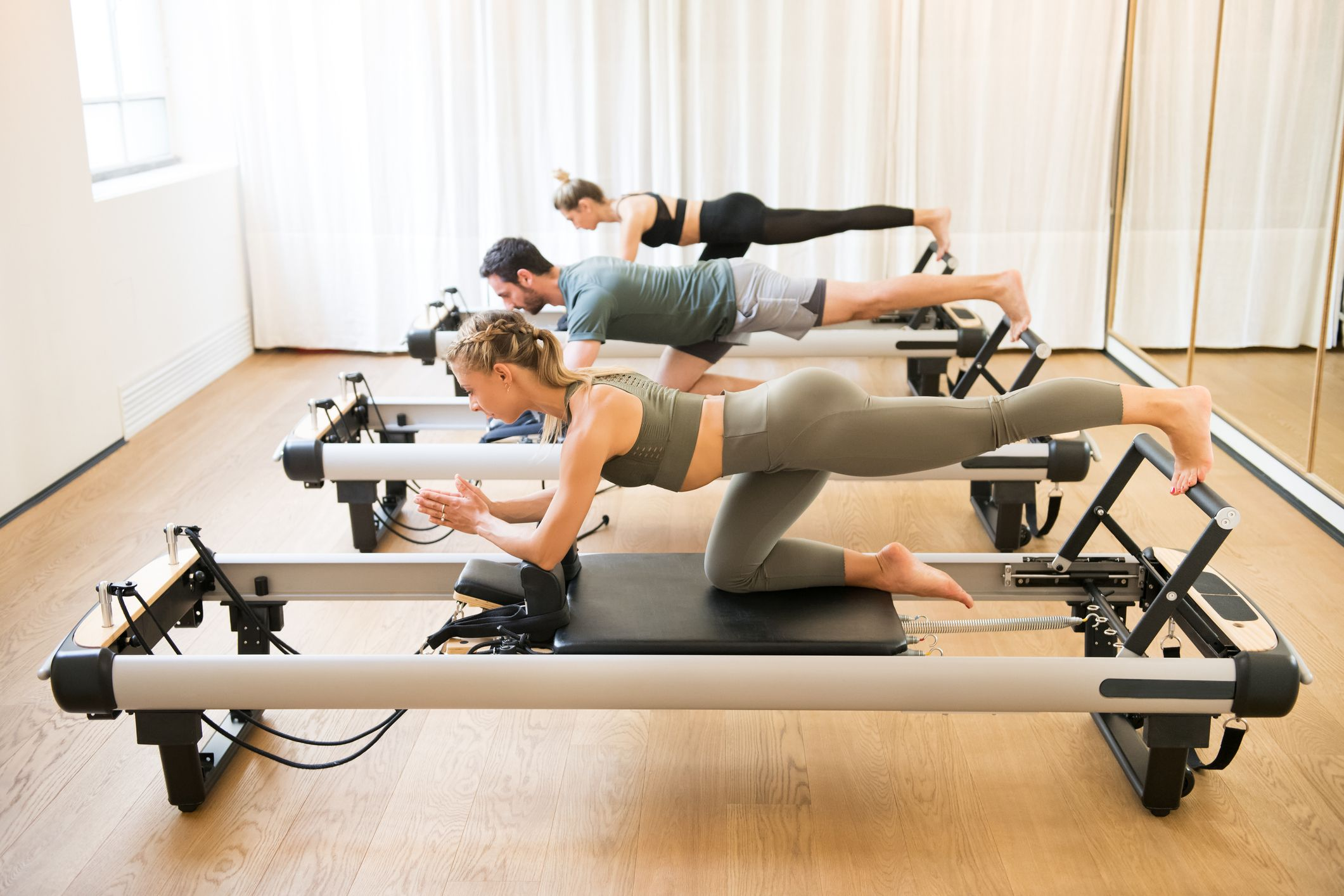 reformer pilates 1569423354 - Get Closer To Your Body Goal With The Right Pilates Class